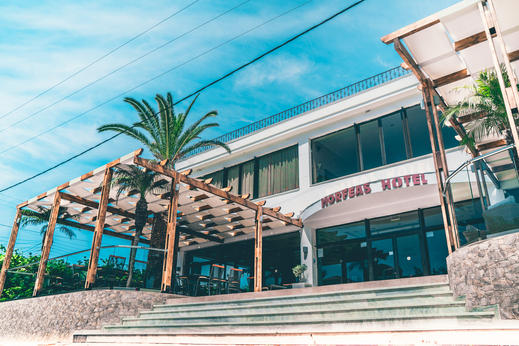 Morfeas Hotel & Apartments